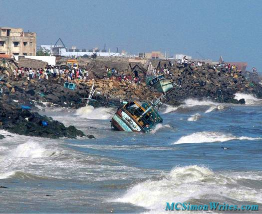 Tsunami hits coastal India 3